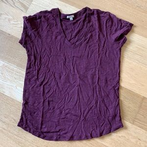 Gap 100% linen burgundy t-shirt medium